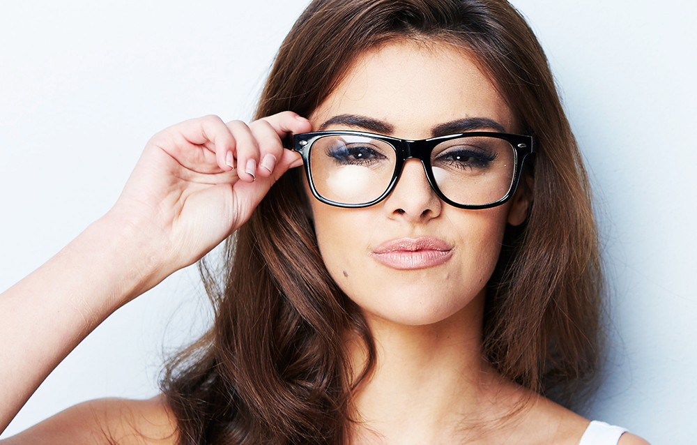 2019 Makeup Tips for Girls with Glasses
